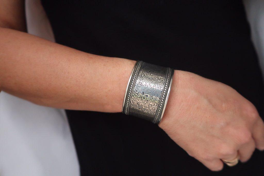 Glamorous Moms World Vision Silver Bracelet