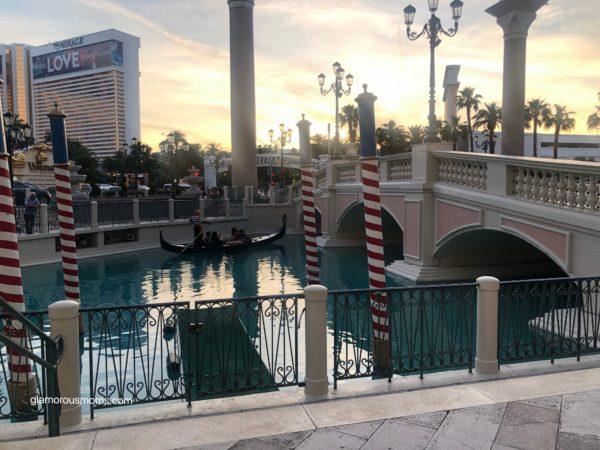 Venetian_GondolaRides_Outdoors